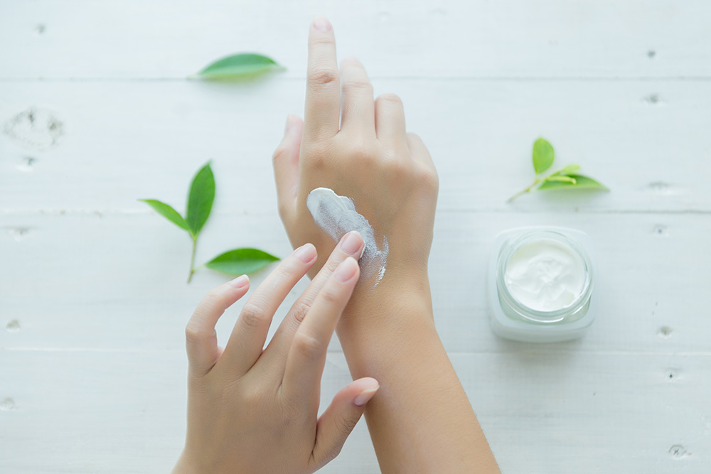 Dermatolog | Poznaj naszą szeroką ofertę i umów wizytę już dziś. Telefon: +48 533 702 703, e-mail: recepcja@royalmedonline.com