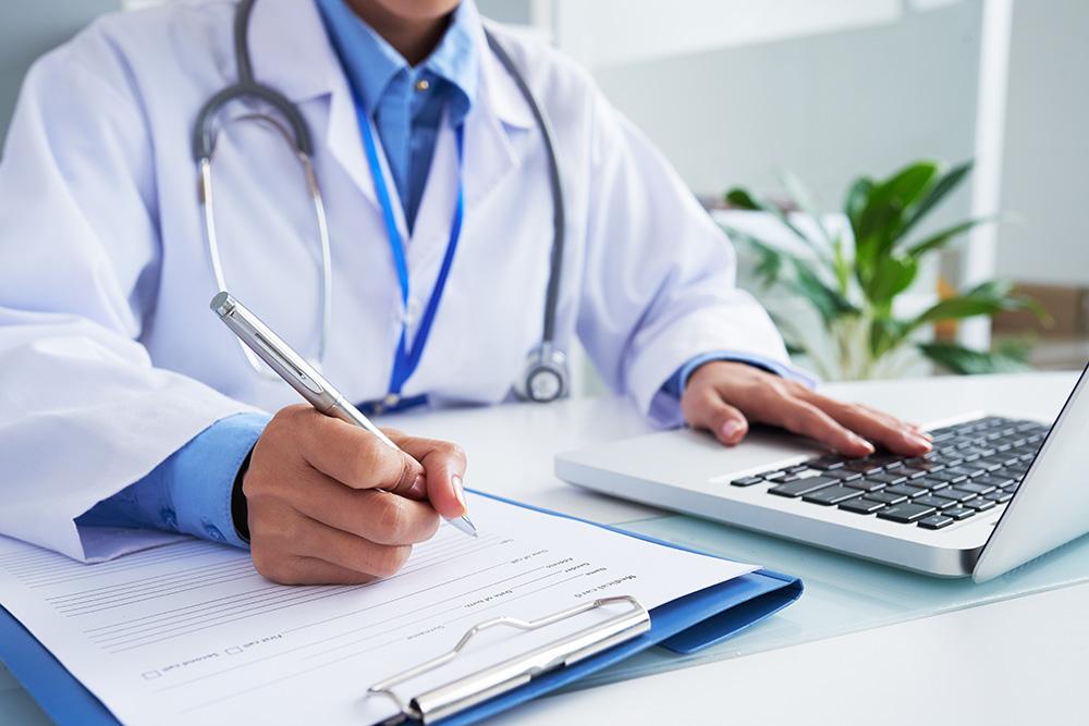 Medycyna pracy | Poznaj naszą szeroką ofertę i umów wizytę już dziś. Telefon: +48 533 702 703, e-mail: recepcja@royalmedonline.com