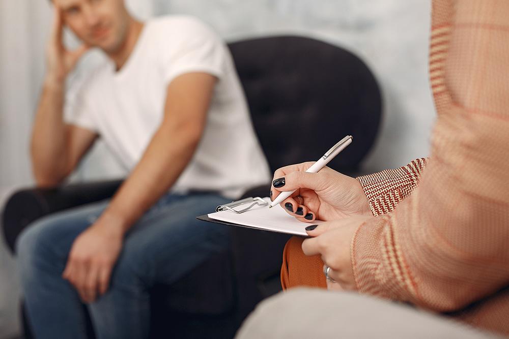 Psycholog | Poznaj naszą szeroką ofertę i umów wizytę już dziś. Telefon: +48 533 702 703, e-mail: recepcja@royalmedonline.com