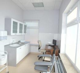 Centrum medyczne Royalmed   ul. Wiślana 36, Łomianki